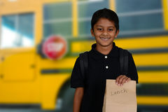 Kind, das zur Schule geht Stockbild