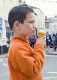 Kind dat roomijs eet Royalty-vrije Stock Afbeelding