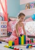 Kind dat thuis speelt Royalty-vrije Stock Foto