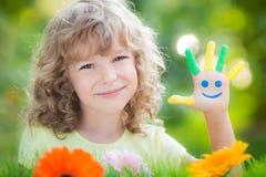 Kind in de lentepark Royalty-vrije Stock Afbeelding