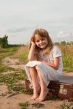Kind in der Landschaft Stockfotos