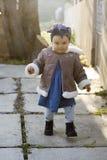 Kind die alleen lopen Royalty-vrije Stock Afbeelding