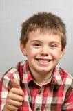Kind die lelijke gezichten 22 maken Stock Foto