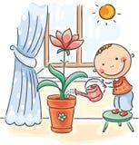 Kind die ouders met het huishoudelijk werk helpen - het water geven bloemen Stock Foto