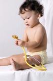 Kind am doktor. Lizenzfreies Stockfoto