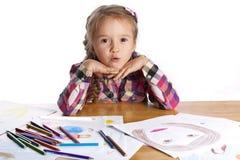 Kind - een kunstenaar met een schets Stock Fotografie