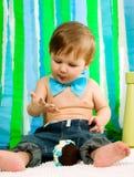 Kind feiert seinen ersten Geburtstag Stockfoto