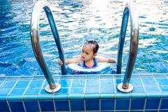 Kind het zwemmen Royalty-vrije Stock Foto