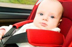 Kind im Auto Lizenzfreies Stockfoto