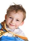 Kind im Badtuch Stockbild