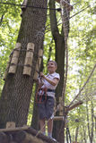 Kind im Erlebnispark Stockbild