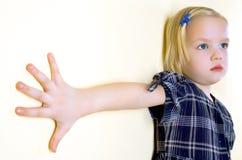 Kind im Kleid Lizenzfreie Stockbilder