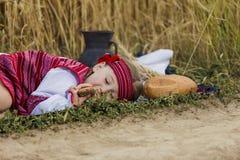 Kind im ukrainischen nationalen Kostüm Lizenzfreies Stockfoto