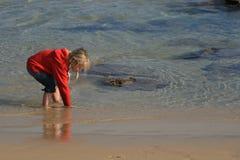 Kind im Wasser Stockbilder