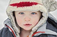 Kind im Winter Stockbild