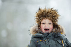 Kind im Winterhut Lizenzfreie Stockfotografie