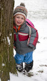 Kind im Winterpark Stockfoto