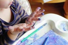 Kind, Kleinkind-Zeichnungs-Kunst Lizenzfreie Stockfotos
