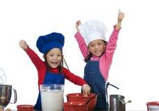 Kind-Kochen lizenzfreie stockbilder