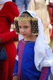 Kind in kostuum bij Middeleeuws Festival, Australië royalty-vrije stock afbeeldingen