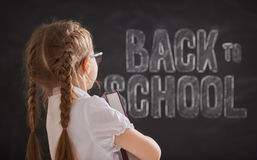 Kind lernt in der Klasse Lizenzfreies Stockfoto