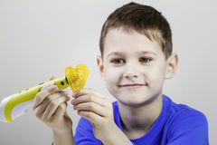 Kind met 3d pen van de druktekening Creatief, technologie, vrije tijd, onderwijsconcept Stock Afbeeldingen