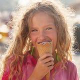 Kind met Roomijs Stock Afbeelding