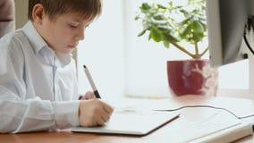 Kind met tekeningstablet stock footage