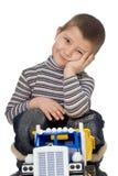 Kind mit Auto Lizenzfreie Stockfotos