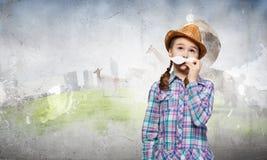 Kind mit dem Schnurrbart Stockfotografie