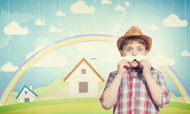 Kind mit dem Schnurrbart Stockfoto