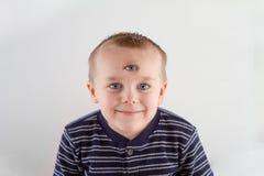 Kind mit drei Augen lizenzfreie stockfotografie