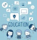 Kind mit einer Bildungsikone auf Spracheblase Stockbilder