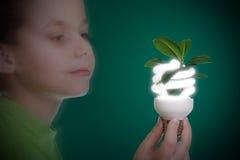 Kind mit energiesparendem Fühler Lizenzfreie Stockbilder