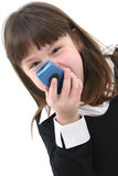 Kind mit Mobiltelefon Lizenzfreie Stockbilder