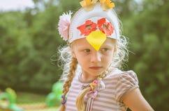 Kind mit Schablone Lizenzfreie Stockfotos