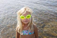 Kind mit Schutzbrillen Stockbild