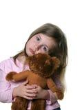 Kind mit teddybear lizenzfreie stockfotografie