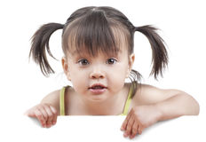 Kind mit weißer Fahne Lizenzfreie Stockfotografie