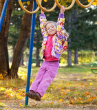 Kind op de speelplaats Stock Afbeelding