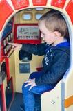 Kind op de speelplaats royalty-vrije stock fotografie