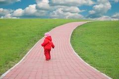 Kind op de weg Stock Afbeelding