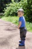 Kind in park stock foto