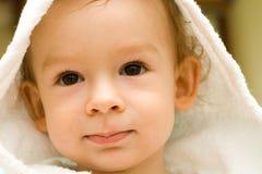 Kind in peignoir Royalty-vrije Stock Afbeeldingen