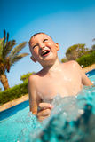 Kind in pool Royalty-vrije Stock Afbeeldingen
