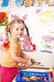 Kind prescooler mit Farbenbleistift. Lizenzfreies Stockfoto