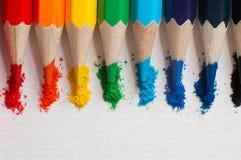 Kind-` s Farbbleistifte für das Zeichnen stockbilder