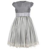 Kind-` s Kleid lokalisiert auf weißem Hintergrund Stockbilder