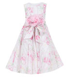 Kind-` s Kleid lokalisiert auf weißem Hintergrund Lizenzfreie Stockfotografie