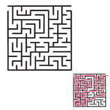 Kind-` s Labyrinthspiel lizenzfreie stockbilder